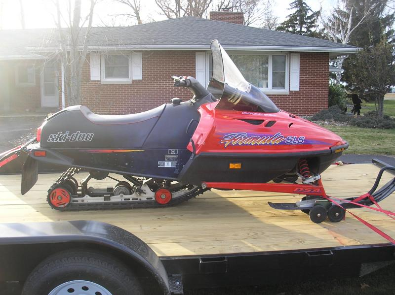 Another new toy-1996-ski-doo-truck-trailer-003.jpg