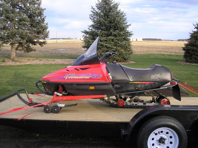 Another new toy-1996-ski-doo-truck-trailer-004.jpg