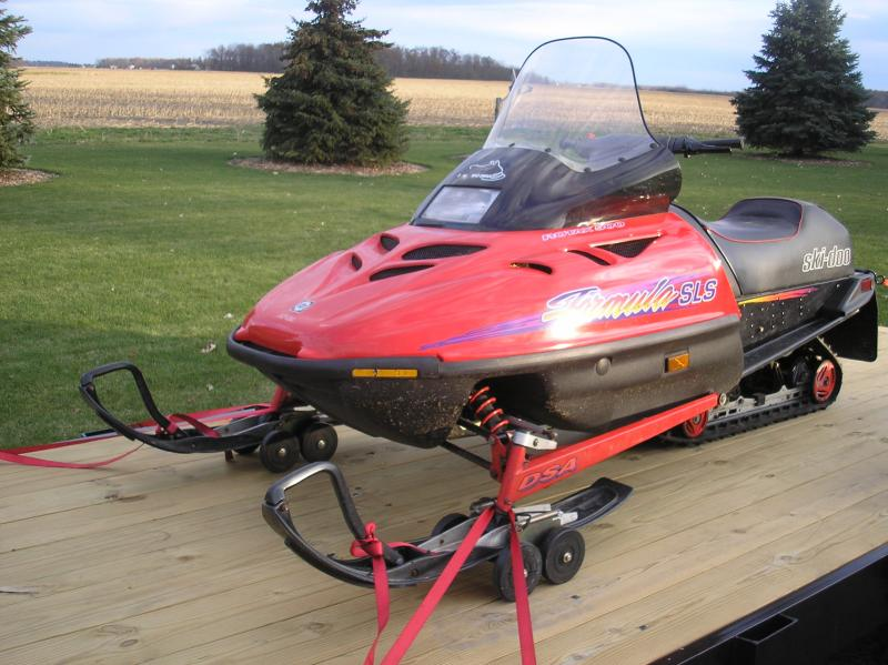 Another new toy-1996-ski-doo-truck-trailer-009.jpg