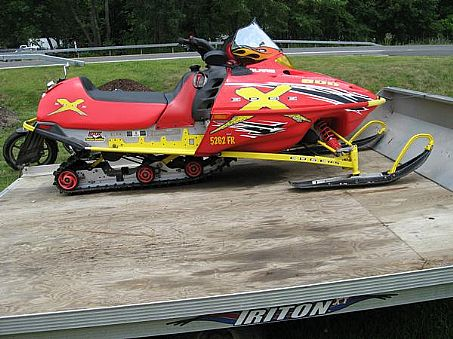 2002 Polaris 600 Edge X http://www.snowmobileforum.com/polaris-snowmobiles/37987-2002-edge-x-600-a.html