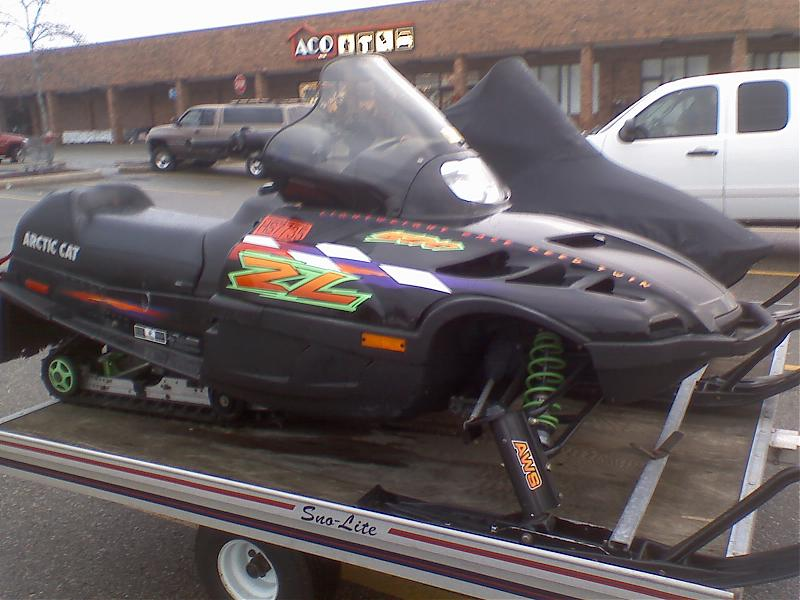 Arctic Cat Snowmobiles 500. 2001 Arctic Cat ZR 600 EFI *