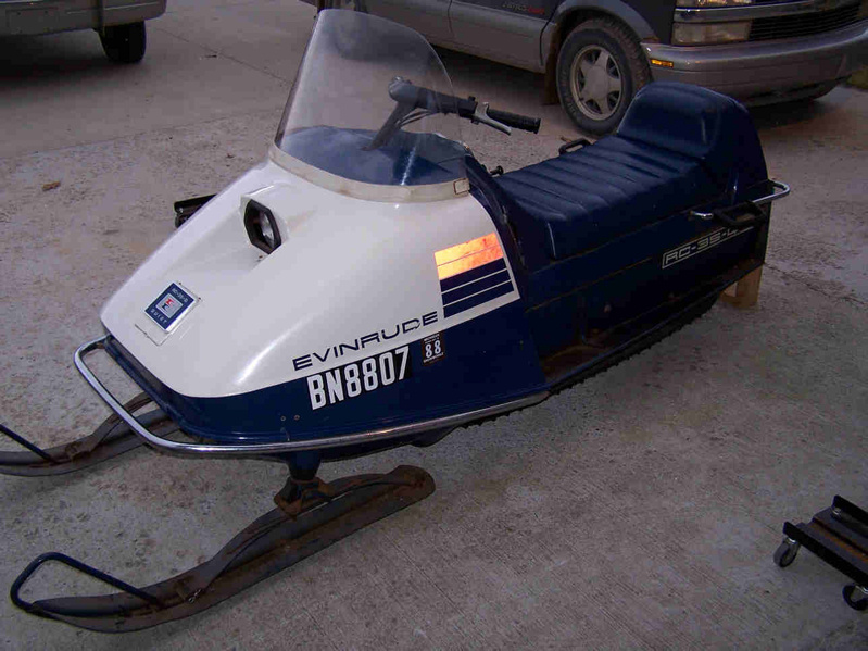 Evinrude and Johnson Snowmobiles-evinrude1-2-.jpg