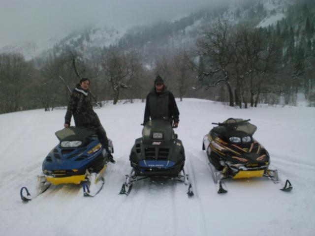 finaly got to go sleddin!-img157.jpg