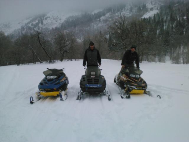 finaly got to go sleddin!-img158.jpg