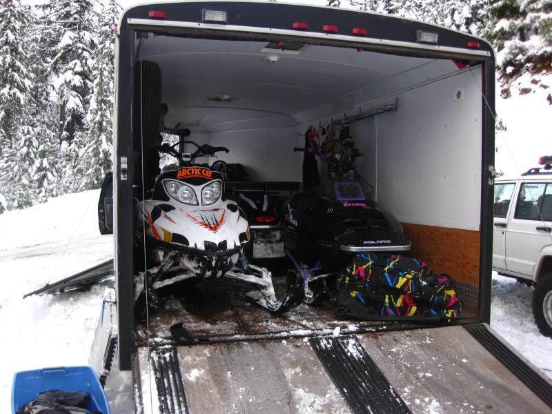 Neo 7 X 24 4 Snowmobile Trailer