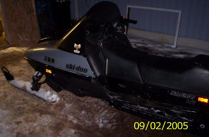 1990 skidoo safari 377-left.jpg