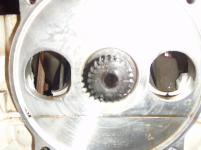 Piston Damage-p3260007_001.jpg