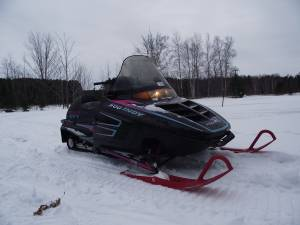 1994 Polaris Indy Trail 500 http://www.snowmobileforum.com/polaris-snowmobiles/65539-1994-polaris-indy-500-efi-sks.html